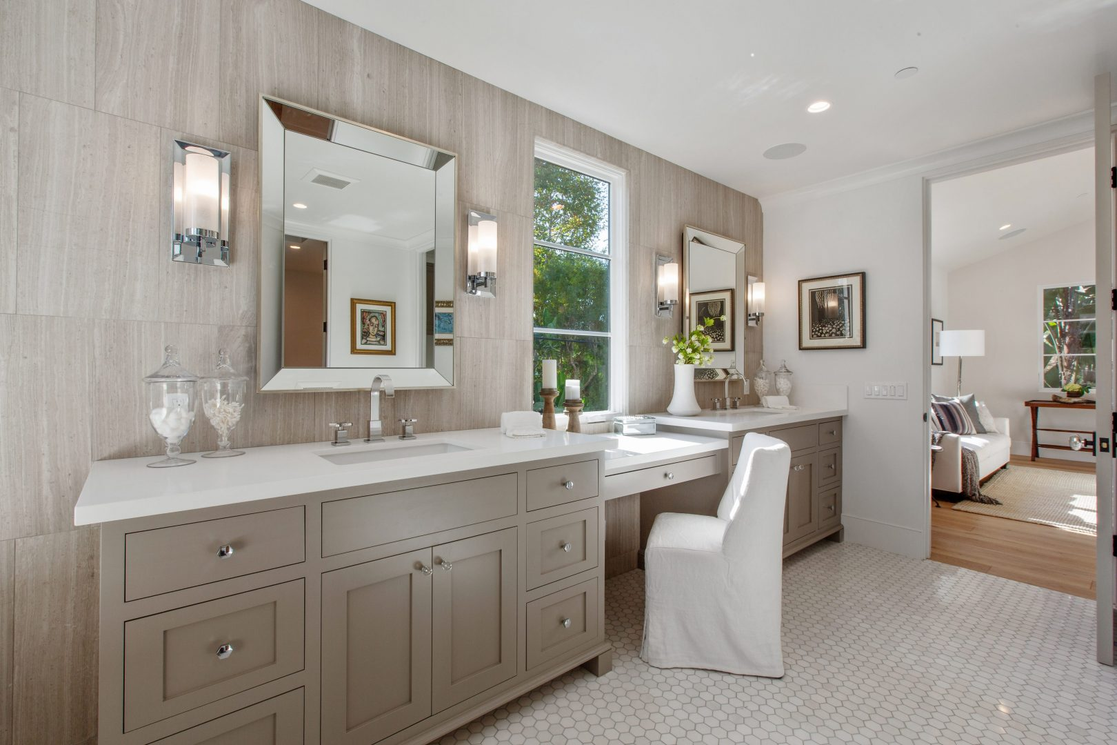 2343 Selby Master Bathroom 4